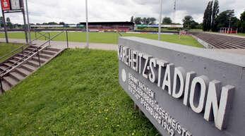 Auf der Tribüne des Karl-Heitz-Stadions findet am Mittwoch die Mitgliederversammlung des OFV statt.