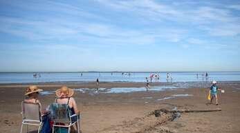 In der Nordsee müssen, wie hier in Cuxhaven, müssen sich Diabetiker nach gefährlichen Bakterien erkundigen.