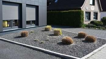 Ökologisch tot: Eine Schotterfläche als Vorgarten.