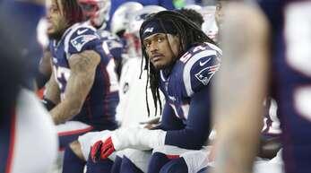 Dont'a Hightower (Mitte) von den New England Patriots ist einer der prominentesten Spieler, die in der kommenden Saison aussetzen.