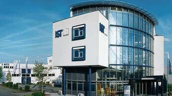 Massive Auftragseinbrüche zwingen IST Metz – hier die Firmenzentrale – zum Jobabbau.
