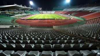 Leere Ränge oder volles Stadion in Budapest: Einige Bayern-Fans wollen nicht ins Corona-Risikogebiet reisen.