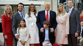 Die Familie Trump (ein Bild aus dem Jahr 2017): Sie wollen vier weitere Jahre im Weißen Haus bleiben.