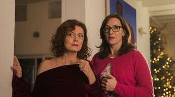"""Susan Sarandon (links) brilliert in """"Blackbird"""" als anarchische Mutter und Oma, Kate Winslet als permanent übergriffige Tochter, Schwester und Mutter"""