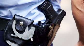 Polizist im Streifendienst: Rechtsextreme Gruppe in NRW hat das Vertrauen in die Polizei erschüttert.