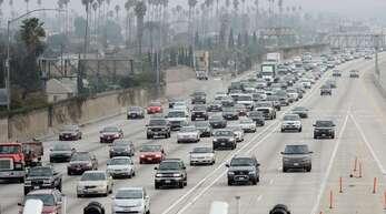 Verkehr in Los Angeles – Kalifornien leidet unter dreckiger Luft.