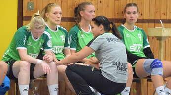 Der Redebedarf war groß in dieser Trainingswoche zwischen Trainerin Denise Oesterle (vorne) und ihrem Team der SG Schenkenzell/Schiltach.