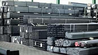 Die Heinemeyer Stahlhandel GmbH ist seit 80 Jahren regionaler Partner des Fachhandels. Stahl für alle Anforderungen lagern auf dem Betriebsgelände.