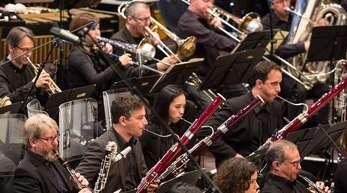 Eine Orchesteraufstellung wie diese von den Donaueschinger Musiktagen 2017 ist in Corona-Zeiten undenkbar.