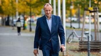 Friedrich Merz sieht in der Verschiebung des Wahlparteitages der CDU eine Intrige.