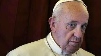 Franziskus hat sich als Papst bisher nicht zu gleichgeschlechtliche Lebenspartnerschaften geäußert. (Archivbild)