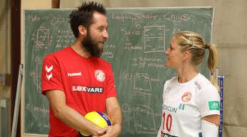 Trainer Florian Scheuer und Spielerin Richarda Zorn teilen die Meinung, mit der Drittliga-Mannschaft des VCO vorerst nicht mehr am Spielbetrieb teilnehmen zu wollen.
