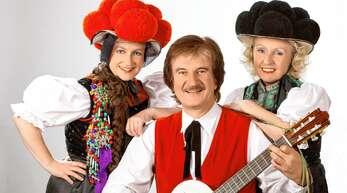 Gabi Seitz (rechts) hat ein Musical über die Heilige Odilia geschrieben, das sie mit ihrem Mann Karlheinz Barbo, Schwester Manuela und weiteren Akteuren als CD herausbringt.