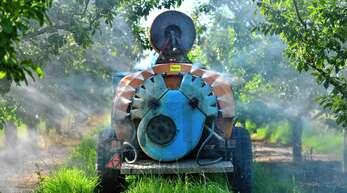 """Eine Studie hat in Ortenberg zahlreiche Pestizide in hoher Konzentration in der Luft gefunden. Wie schädlich die zum Teil als """"möglicherweise krebserregend"""" eingestuften Stoffe tatsächlich sind, ist umstritten."""