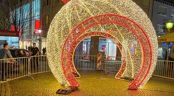 Solche Illuminationen sollen in der Offenburger Innenstadt für weihnachtliche Stimmung sorgen.