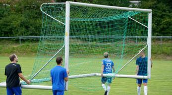 Es werden noch einige Wochen vergehen, bis die Tore zum Training wieder auf die Fußballplätze getragen werden können.