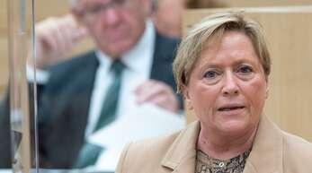 Sie sind sich nicht in allen Punkten einig: Kultusministerin Susanne Eisenmann (CDU) und Ministerpräsident Winfried Kretschmann (Grüne)