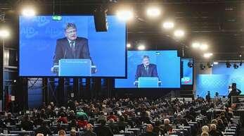 Die AfD hält ihren Parteitag in Kalkar ab: Der AfD-Vorsitzende Jörg Meuthen überrascht in seiner Rede mit einer harten Kampfansage.