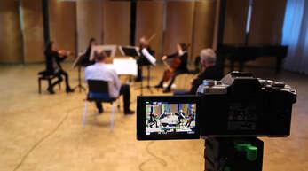 Videoaufzeichnung für die Konzerte im Youtube-Kanal der Musikschule Offenburg-Ortenau. Foto: Musikschule Offenburg-Ortenau