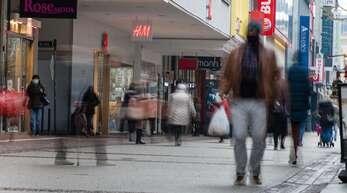 Werden die deutschen Innenstädte bald wieder leer von Menschen sein? Derzeit wird über einen härteren Lockdown diskutiert.