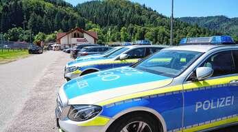 2500 Polizisten waren im Sommer vergangenen Jahres an der Fahndung nach Yves R. in Oppenau beteiligt. Ab Freitag muss sich der 32-Jährige unter anderem wegen Geiselnahme vor Gericht verantworten.