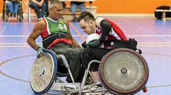 Beim Rollstuhlrugby müssen die Sportrollstühle robust sein.
