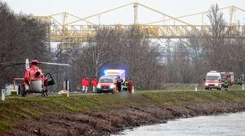 Der Kehler Feuerwehr gelang es, den leblosen Körper zwischen Auenheim und Leutesheim aus dem Rhein zu ziehen.
