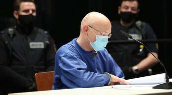 Für die Zeit in Freiheit hat der wegen Geiselnahme angeklagte Yves R. bereits Pläne: Er will zu einer Frau ziehen, die ihm seit seiner Inhaftierung Briefe schreibt und ihn besucht.