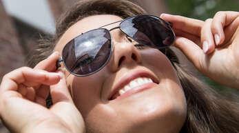 Viele Menschen genießen die warmen Tage derzeit – Meteorologen sind eher beunruhigt.