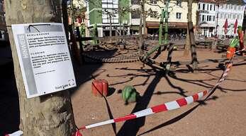 Bilder der Pandemie: Ein abgesperrter Spielplatz.