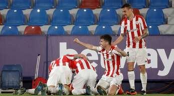 Jubel bei den Spielern von Athletic Bilbao