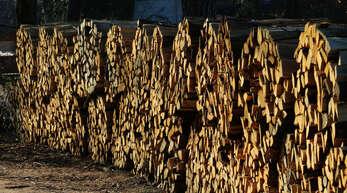 Brennholz wird immer häufiger das Ziel von Dieben: Forst BW will das Holz deshalb mit Sendern ausstatten. Für Holger Schütz, Leiter des Forstbezirks Mittleres Rheintal, müssen da Kosten und Nutzen im Verhältnis stehen.