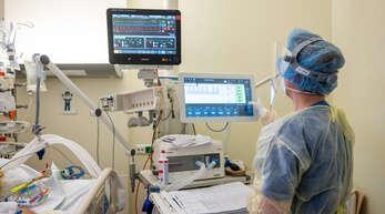 Die Lage auf den Intensivstationen in den Krankenhäusern der Region spitzt sich zu. Das Klinikum Mittelbaden verfügte am Freitag über keine freien Intensivbetten mehr.