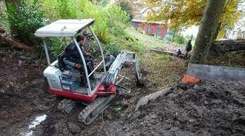 Für die Erneuerung der Wasserleitung waren umfangreiche Erdarbeiten von der Weihermatte her nötig.