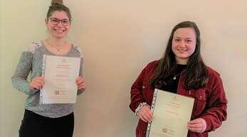 Meike Boschert (links) und Christina Müller haben den Förderpreis des Zonta-Clubs erhalten.