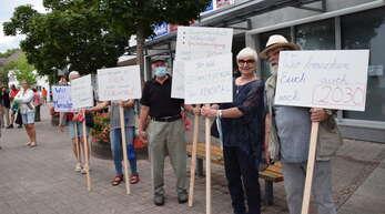 Der Runde Tisch wehrt sich mit regelmäßigen Demos gegen die Schließung des Oberkircher Klinikums.