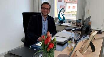 Groß war die Vorfreude auf diesen Tag: Tobias Uhrich hatte am Donnerstag seinen ersten Tag als Bürgermeister von Neuried.