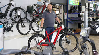 Radeln ist angesagt in Kehl. Das berichten Fahrradhändler wie Benjamin Rapp.