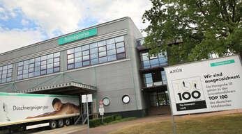 Die Bilanz des Schiltacher Armaturen-Herstellers Hansgrohe für das Geschäftsjahr 2020 fällt positiv aus, in Offenburg sollen zukünftig mehr Arbeitsplätze entstehen. Das Archivbild zeigt das Werk in Offenburg-Elgersweier.