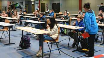 Knapp 50 Sechstklässler testeten sich am Dienstagmorgen zum ersten Mal gemeinsam zum Schulbeginn in der Halle des Robert-Gerwig-Gymnasiums. Die Prozedur dauert mit ausführlichen Erklärungen genau 20 Minuten.
