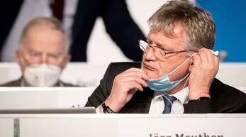 Weder Meuthen noch Alexander Gauland konnten verhindern, dass die Mehrheit des Parteitags für einen Austritt Deutschlands aus der EU stimmte.