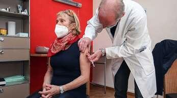 Auch in Baden-Württemberg impfen jetzt die Hausärzte gegen das Coronavirus.