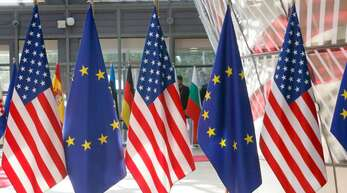 Flaggen in trauter Eintracht – so sieht die ökonomische Realität nicht aus.