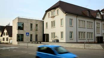 Ziel aller Kandidaten - das Rathaus in Hofweier. Bis dahin sind noch Wahlkampf mit Kandidatenvorstellung und Wahl zu bewältigen.