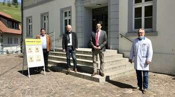 Der SPD-Bundestagsabgeordneter Johannes Fechner war zu Gast in Steinach (von links):Xaver Rockenstein (Ortvorsteher Welschensteinach), Bürgermeister Nicolai Bischler, Johannes Fechner, Günter Thiem (Betreiber Dorfladen)