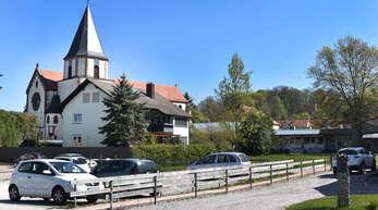 Vorne Parkplatz, hinten sozialer Wohnungsbau: Zur Nutzung des ehemaligen Gärtnereigeländes Bauer in Oberachern gibt es konkrete Pläne.