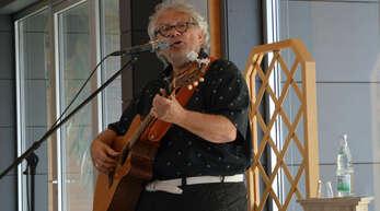 Gerd Birsner - gewohnt unterhaltsam zum Auftakt der neuen Veranstaltungsreihe.