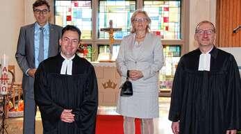 Amtseinführung in Renchen (von links): Bürgermeister Bernd Siefermann, der neue evangelische Pfarrer Andreas Moll, Regine Schwall-Geier (Vorsitzende des Acherner katholischen Pfarrgemeinderats) und Dekan Günther Ihle.
