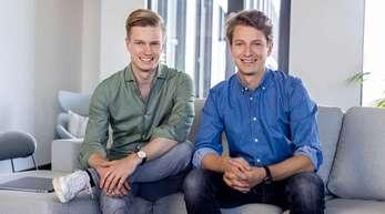 Die Offenburger Brüder Johannes und Michael Siebers, Gründer des Travel-Tech-Unternehmens Holidu.