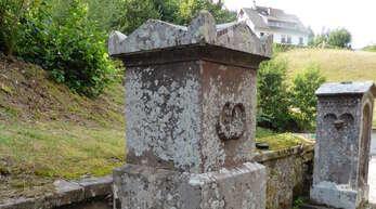 Der Grabstein ist bis heute erhalten.